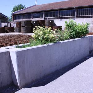 Batico 88 jardini re tout b ton for Grande jardiniere beton